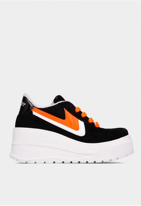 Sonic black suede with orange fluor details